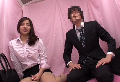 働く美女が職場の同僚と素股体験!?気持ちよすぎてセックスに発展しちゃう社内恋愛奨励企画!