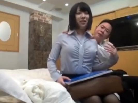 OLのお姉さんにおじさんがセックス迫るw盗撮モニタリング企画の変態プレイw