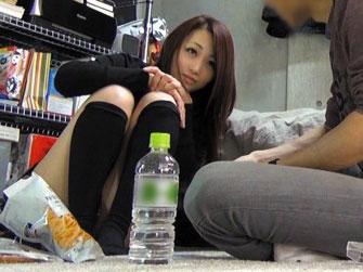【隠し撮り】『エッチしたい??』美少女を隠し撮りwスレンダーギャル即ハメw