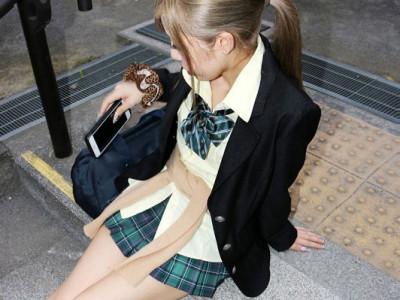 【JK援交】制服着衣で乱交w童顔なのにテクは抜群w