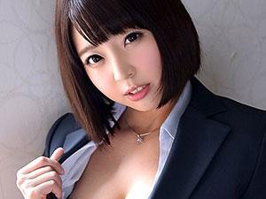 スレンダーな美少女スーツお姉さんと着衣セックスw