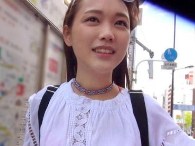 《外国人ロリを即ハメ》「日本とセックス大好き♡」美少女お姉さんをラブホへ連れ込みでハメ撮りセックス!デカチン巨根で痙攣アクメw