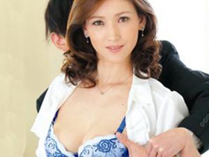 【四十路】『いつも主人がごめんなさいね…』上司の巨乳な美人妻を寝取り!熟女おばさんと即ハメ不倫セックスなヤバイやつw