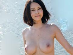 《松岡ちな》「エッチなこと大好きなんです♡」アイドル越えの美少女なAV女優!スケベで神乳おっぱいなお姉さんのデビュー作品!!