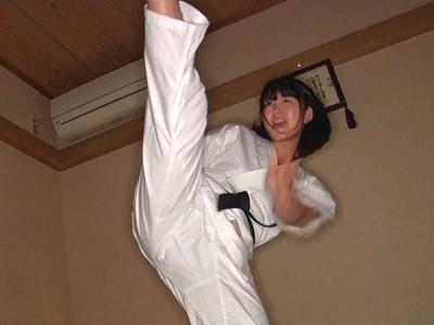 空手スポーツ美少女をローションプレイw卑猥ビキニで電マでアンアンww